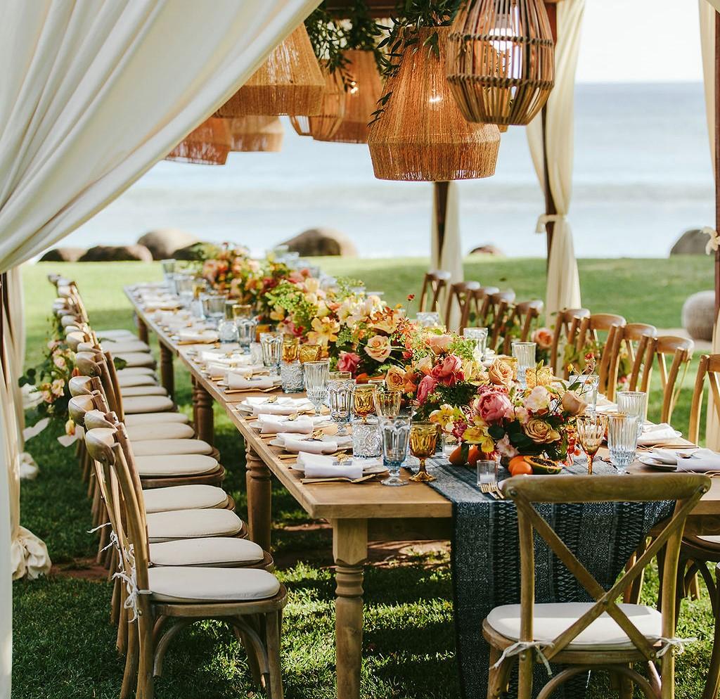 столы для свадьбы в эко-стиле